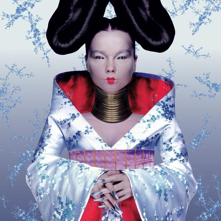 Björk/Homogenic por Alexander McQueen